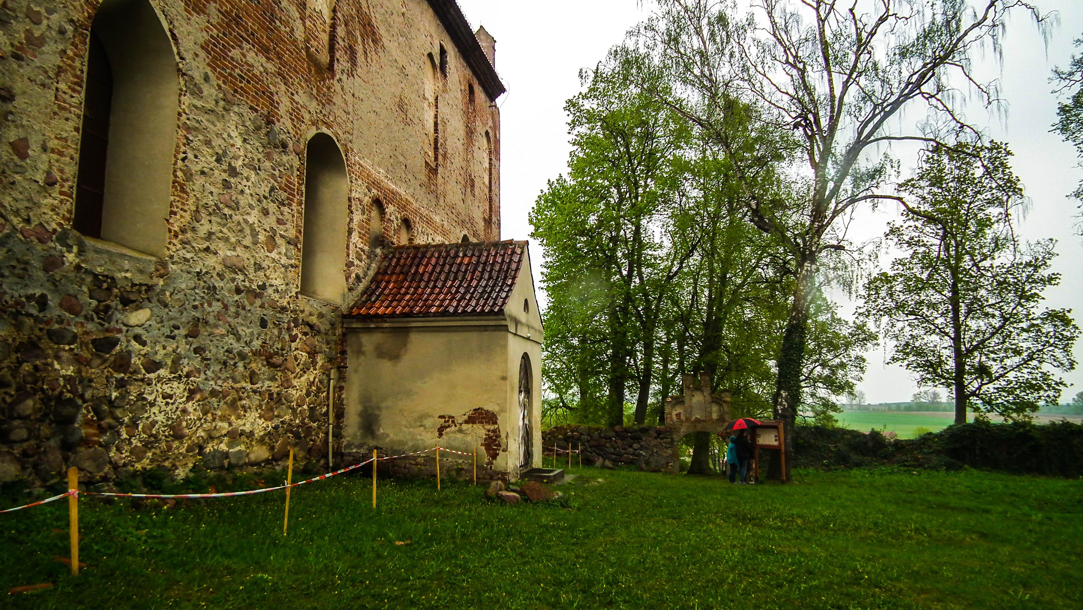 zamek w Bezławkach