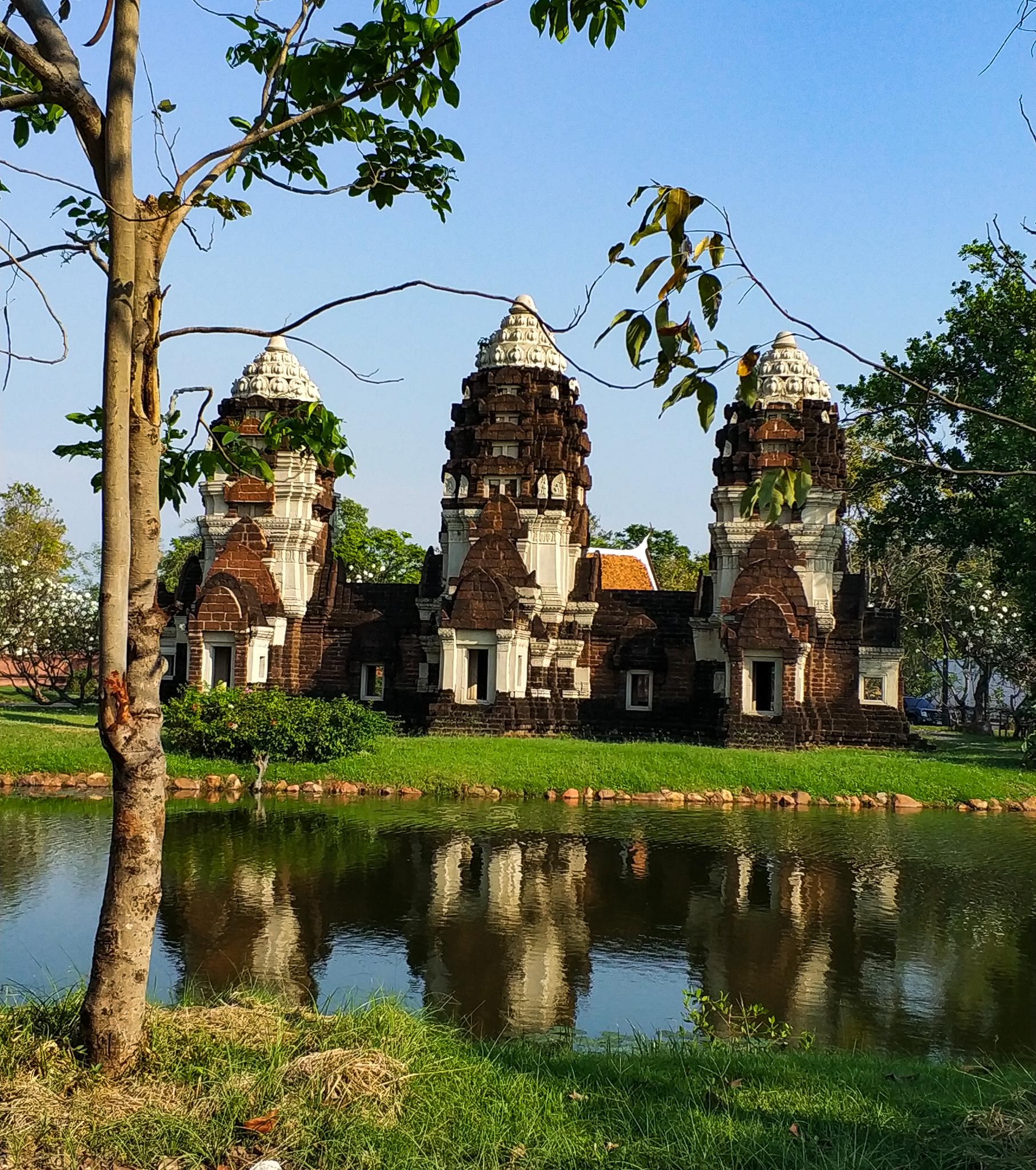 Phra Prang Sam Yod, Lop Buri