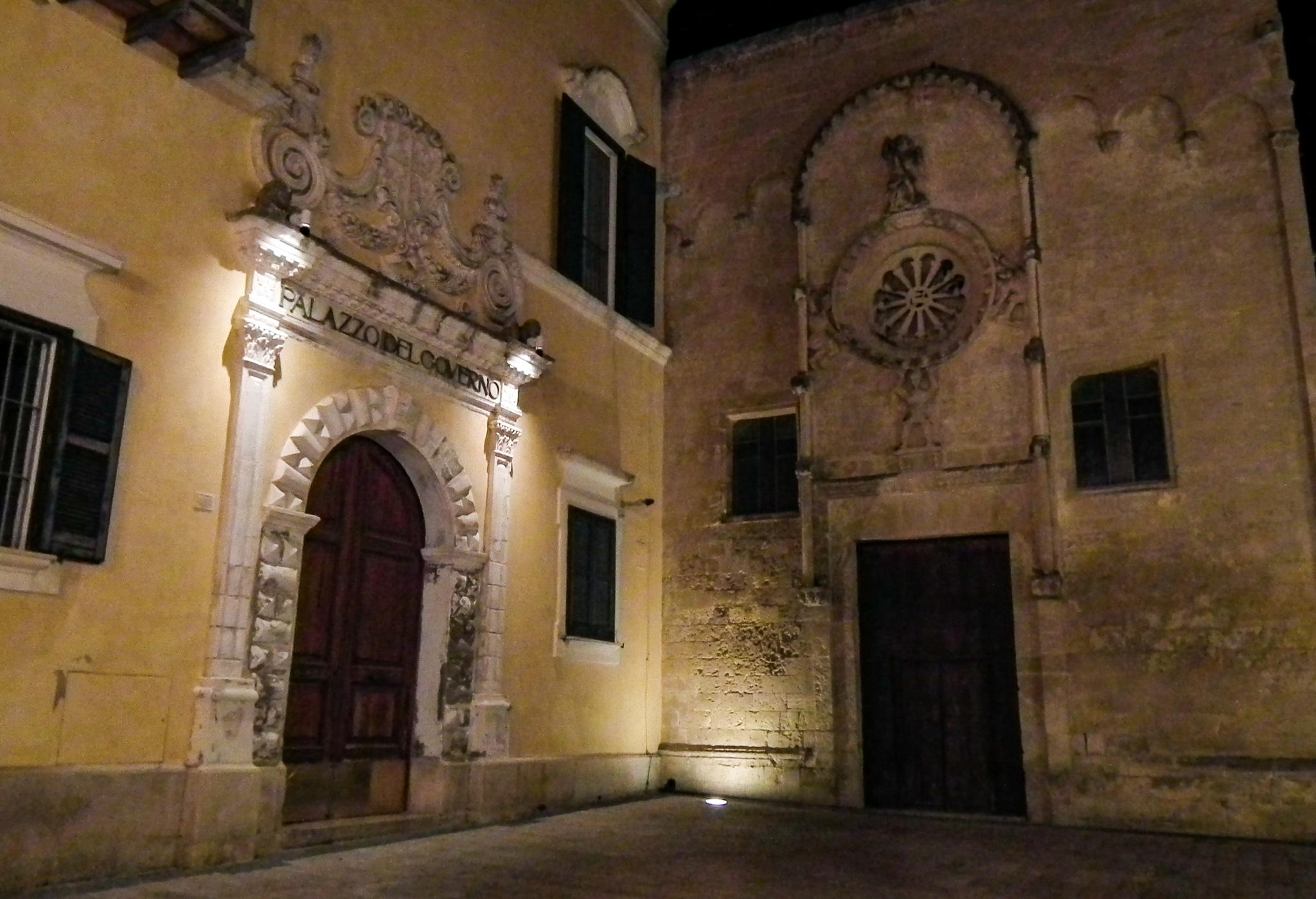 Pałac Prefektury i Kościół San Domenico