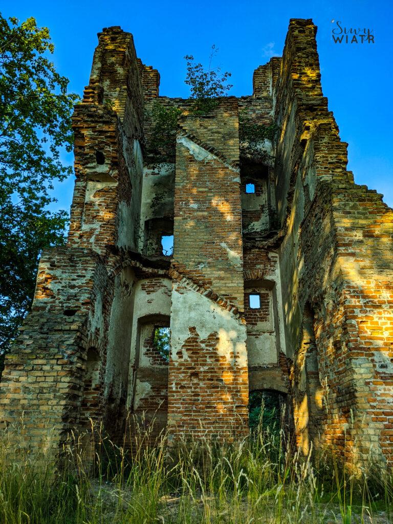 Ruiny zamku w Broku